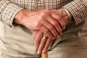 idős ember kezei