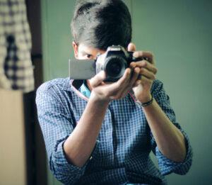 fényképező férfi